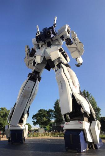 The Unicorn Gundam Statue